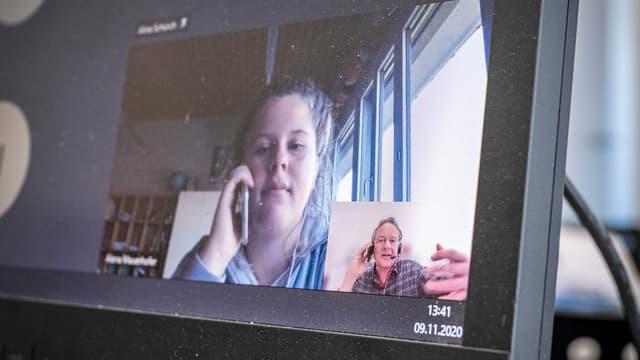Die Fragen an den Thomas Bucheli stellen Domenico (14), Aline (15), Adish (15) und Alena (14) per Skype.