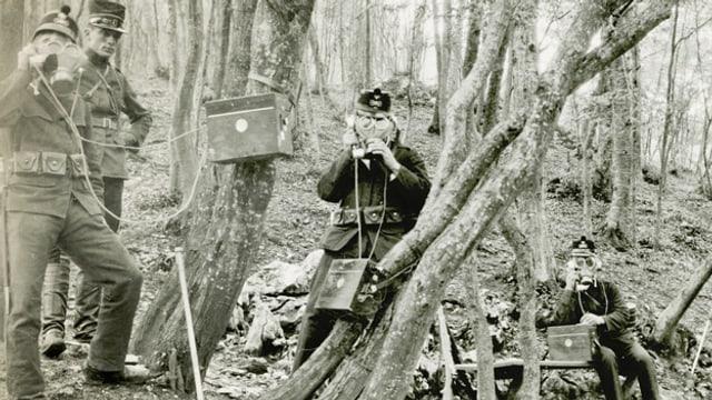 Beobachtungsposten an der Grenze bei Allschwil 1914.