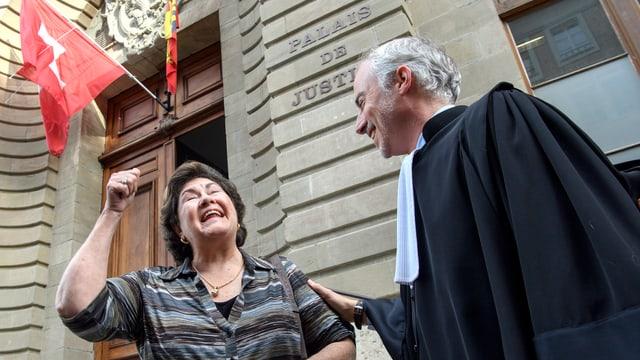 Linda Sperisen und der Anwalt Florian Baier.