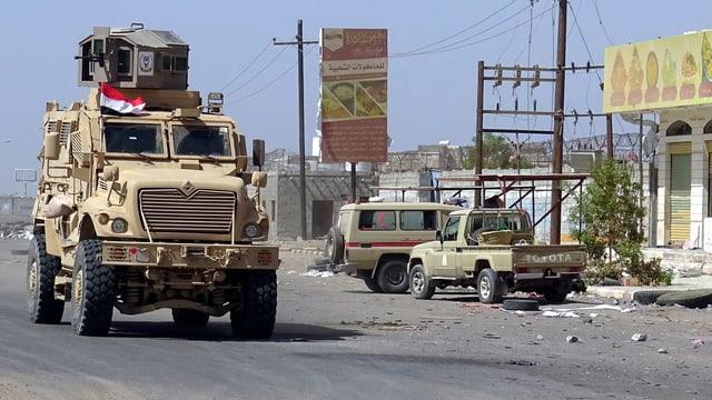 Militärpatrouille in Hudaida