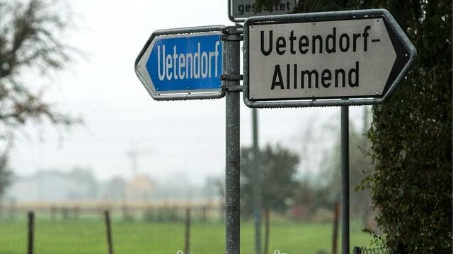 Strassenschild Uetendorf