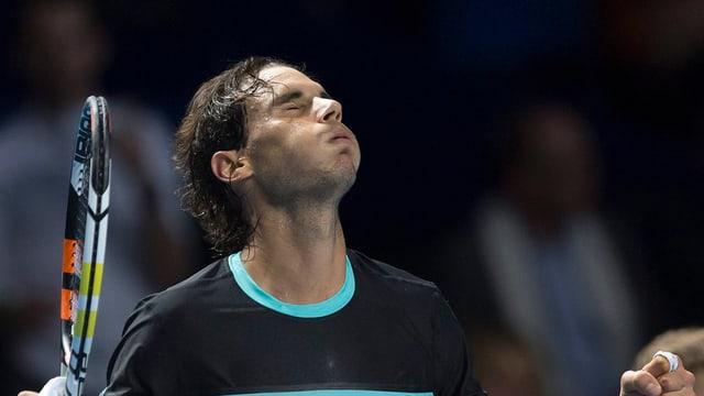 Rafael Nadal levgià suenter sia victoria.
