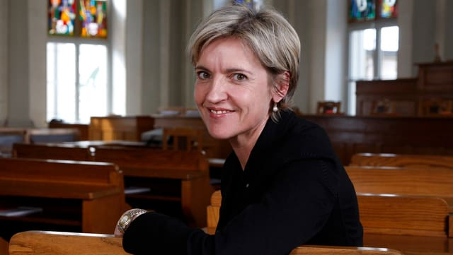 Marianne Dürst posiert nach den Wahlen im Jahr 2010.