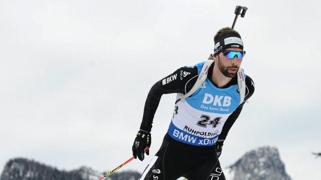 Il currider da biatlon Serafin Wiestner.