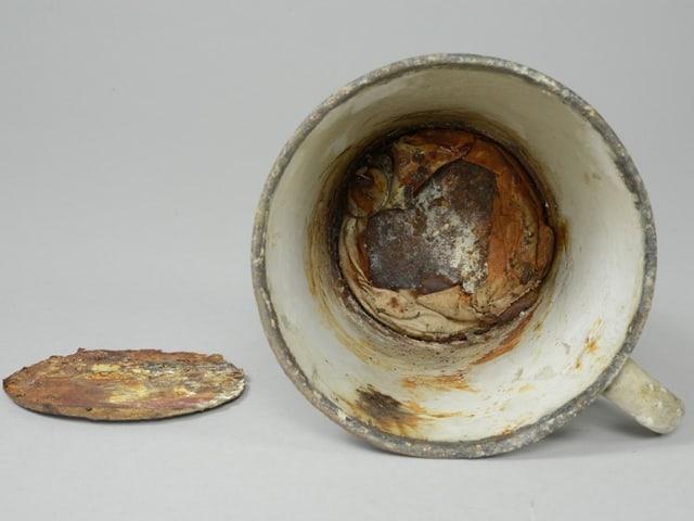Bild der Tasse mit einem doppelten Boden.