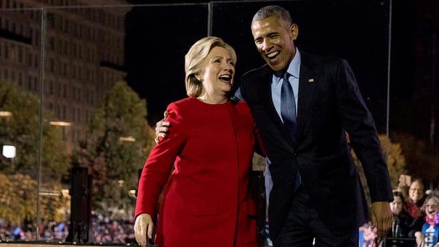 Hillary Clinton mit US-Präsident Barack Obama an einer Wahlveranstaltung in Philadelphia