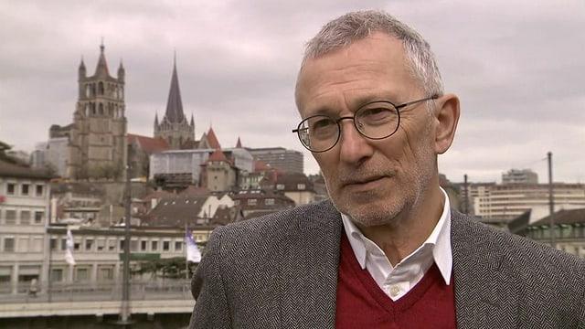 Video «Roger Schawinski im Gespräch mit Peter Rothenbühler» abspielen