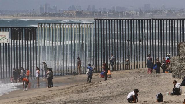 Gitterwand zu Mexiko