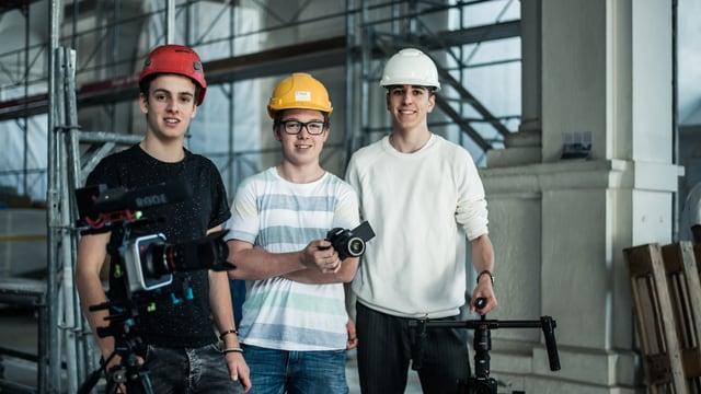 Laschar ir video «DHD Media – Trais scolars e lur firma da producziun»