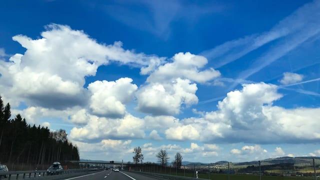 Cumulus humilis zieren den Himmel bei Bern.