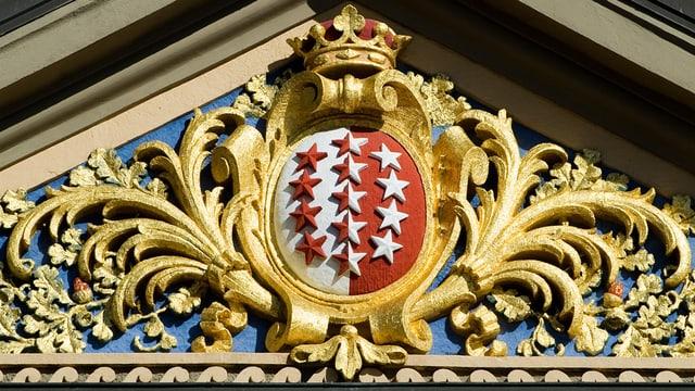 Das Walliser Wappen mit den dreizehn Sternen.
