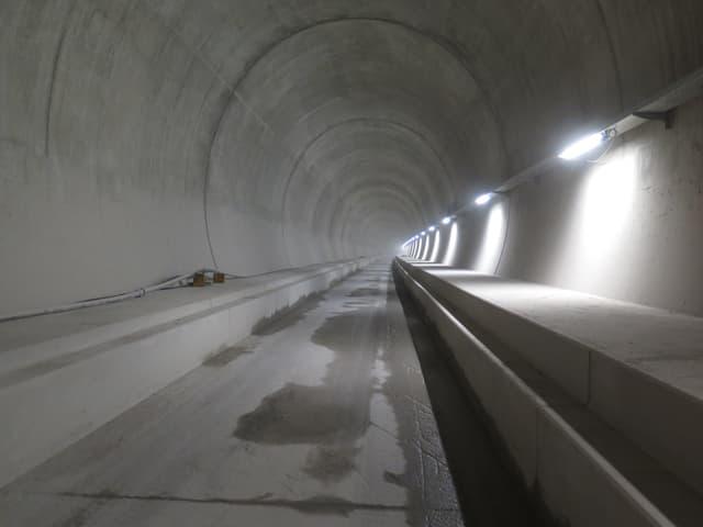 Blick auf die Betonröhre im Ceneri-Basistunnel