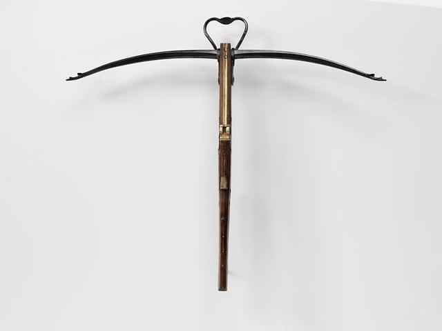 Eine Armbrust mit Stahlbogen aus dem Landesmuseum Zürich.