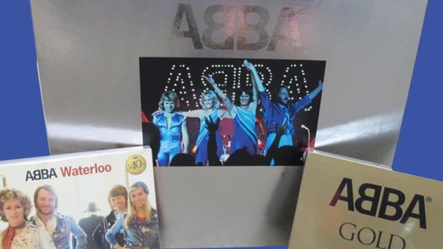 Abba-Fan-Paket mit einer Album-Box und zwei limitierten CDs.