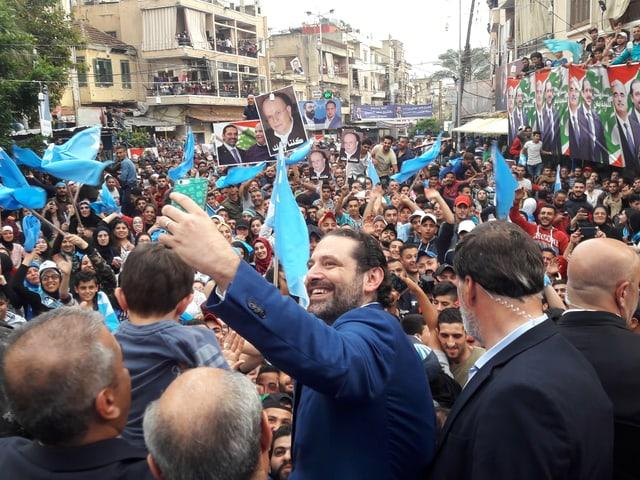 Saad Hariri in einer Menschenmenge.