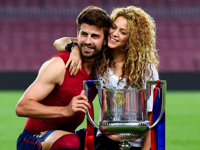 Aber seit 2011 ein glückliches Paar. Piqué und Shakira.