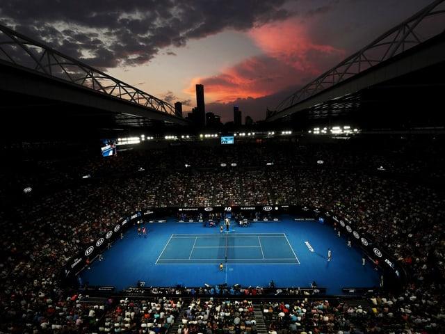 Die Rod-Laver-Arena während eines Sonnenuntergangs.