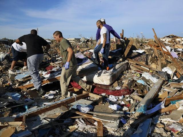 Kein Haus steht mehr in diesem Teil der Stadt Moore bei Oklahoma City. (reuters)