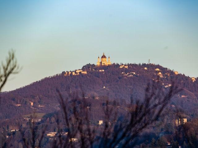 Kirche auf Berg