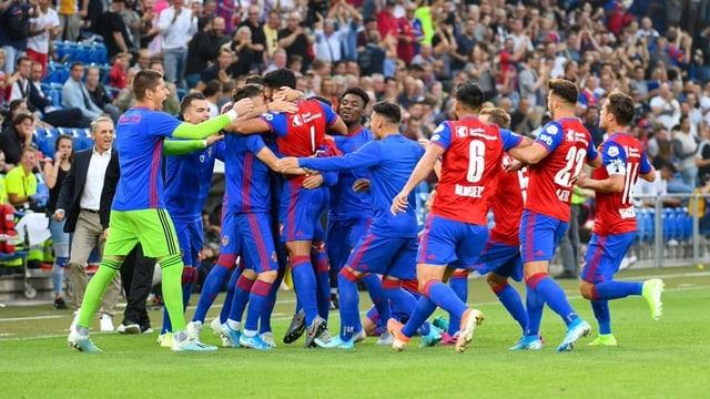 Nach dem 2:1-Sieg im Rückspiel gegen PSV Eindhoven war der Jubel beim FCB gross.