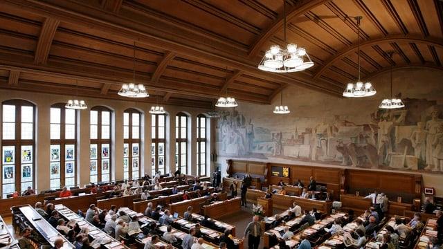 Im Berner Rathaus präsidiert neu Rudolf Friedli das Stadtparlament.