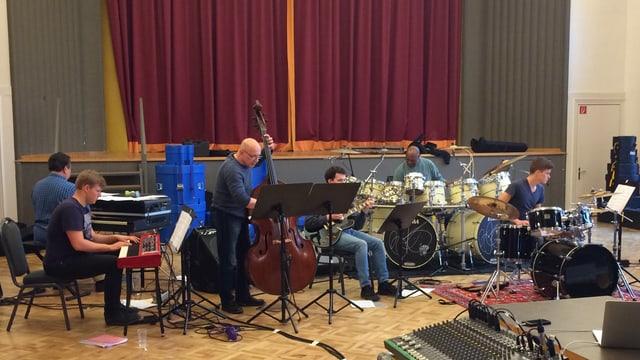 Ein Orchester probt