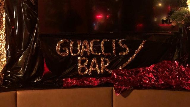Beschriftung der Bar Guaccis