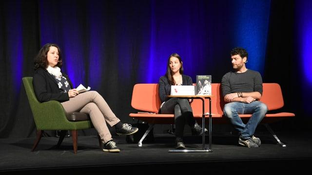 Karin Kohler, Silvana Demarmels e Jon Bischoff sin il palc a Domat