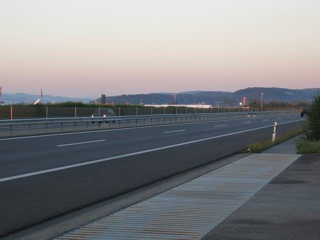 Autobahn ohne Autos.