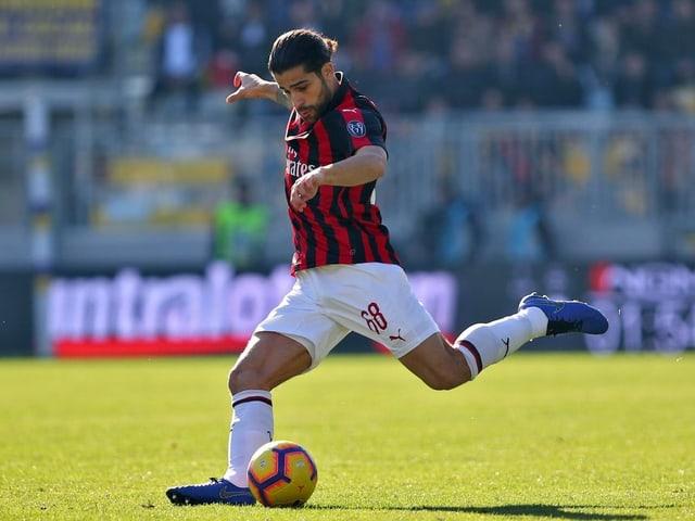 Der 26-jährige Zürcher geht in seine 3. Saison bei der AC Milan. Der Schweizer dürfte wie in der letzten Saison gesetzt sein, hat mit Neuzugang Theo Hernandez aber Konkurrenz auf der linken Aussenposition bekommen.