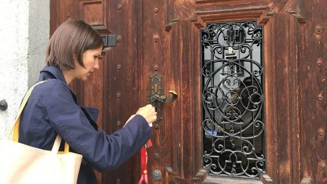 dunna serra la porta