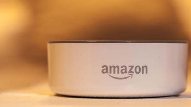Ein Amazon-Echo-Dot-Lautsprecher.