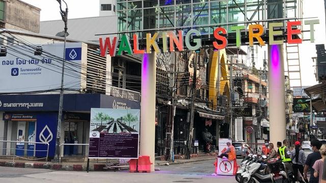 Eingang zur Walking Street.