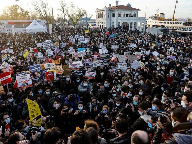 Demonstration vor der Universität Bogazici