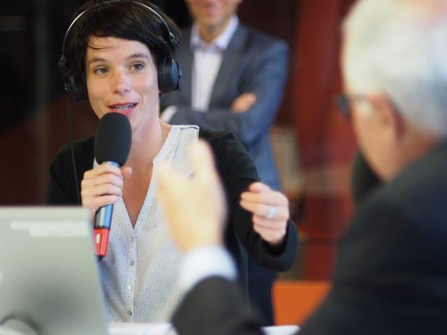 Simone Hulliger im Gespräch mit Ruedi Matter.