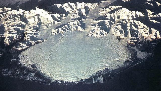 Satellitenfoto des Malaspina-Gletschers, der mit mehr als 4200 Quadratkilometern Fläche zu den grössten Gletschern seiner Art weltweit gehört.