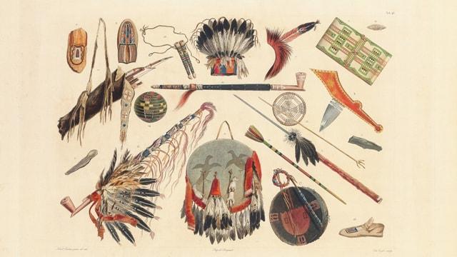 Abbildungen von indianischen Gerätschaften und Waffen, unter anderem Federschmuck, Beile, und Speere.