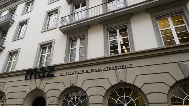 Das Gebäude der Journalistenschule MAZ in Luzern.