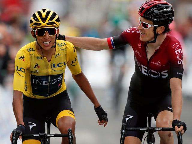 Geraint Thomas gratuliert Egan Bernal zum bevorstehenden Tour-de-France-Gesamtsieg.