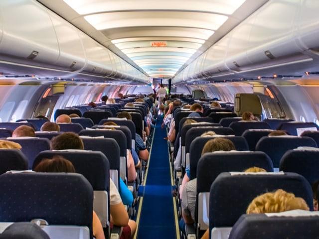 Flugzeugkabine.