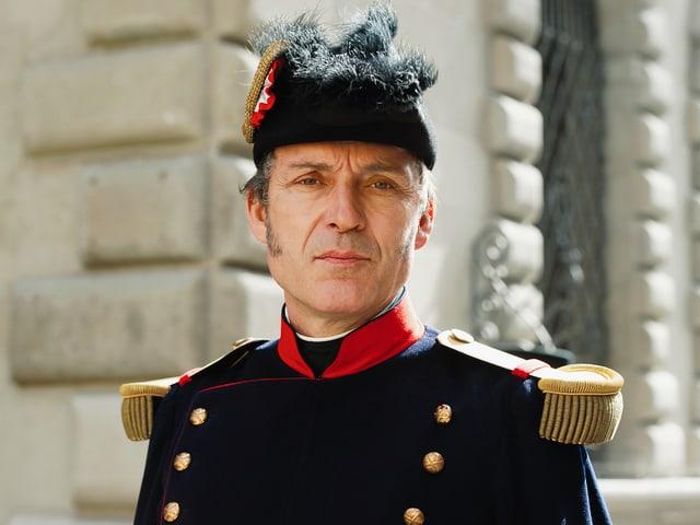 Michel Voïta spielt Guillaume Henri Dufour, den General der Tagsatzungstruppen im Sonderbundskrieg.