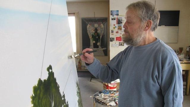 Willi Oertig beim Malen