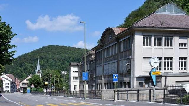 Blick auf die alten Revue Thommen-Gebäude von Waldenburg