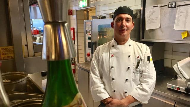 Küchenchef Thomas Kunz in seiner Hotelküche