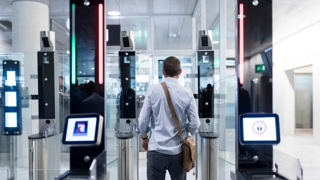 Schleuse für die automatische Passkontrolle