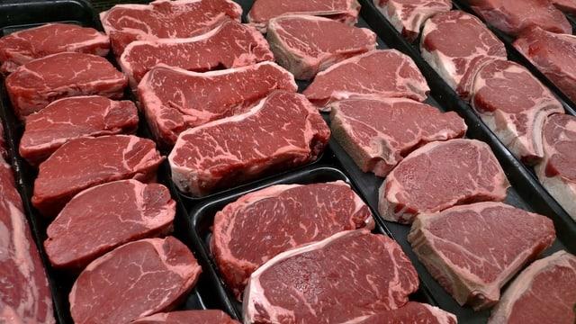 Theke mit Rindsfleisch