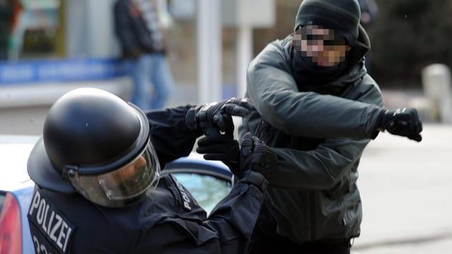 La violenza cunter policists è creschida ils ultims 15 onns per il traidubel.