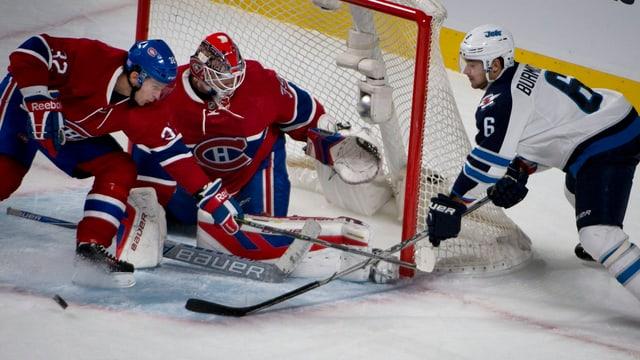 Montreal-Goalie Mike Condon pariert