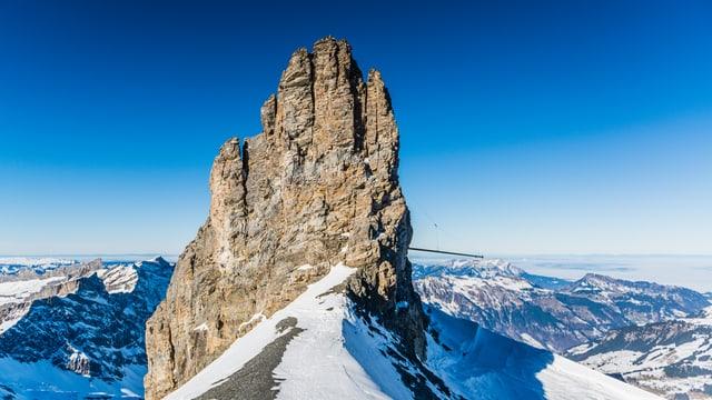 Das Rotstöckli (2901 Meter) ist der höchste Gipfel im Kanton Nidwalden und steht mitten auf dem Titlis- Gletscher.