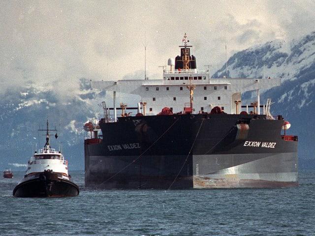 Der Öl-Tanker Exxon-Valdez.